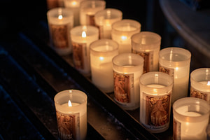 lighted tealight candles