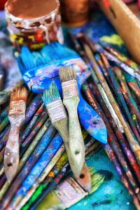 assorted-color paint brush lot